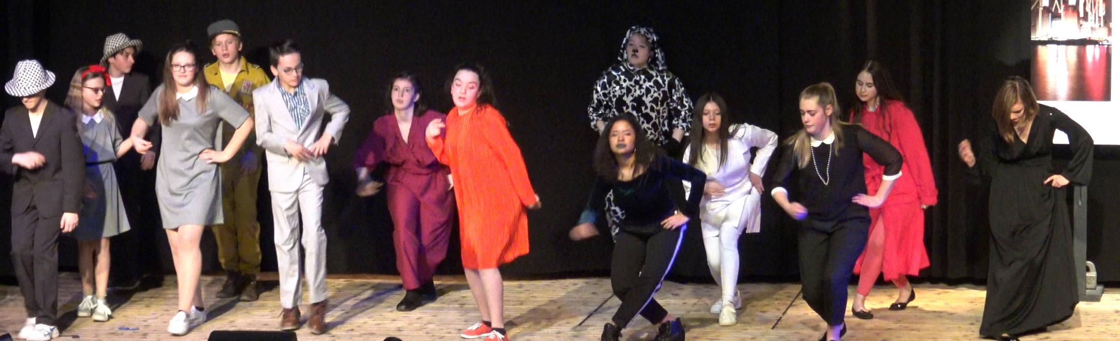 Atelier théâtre Binokyo - représentation cours ados 2018